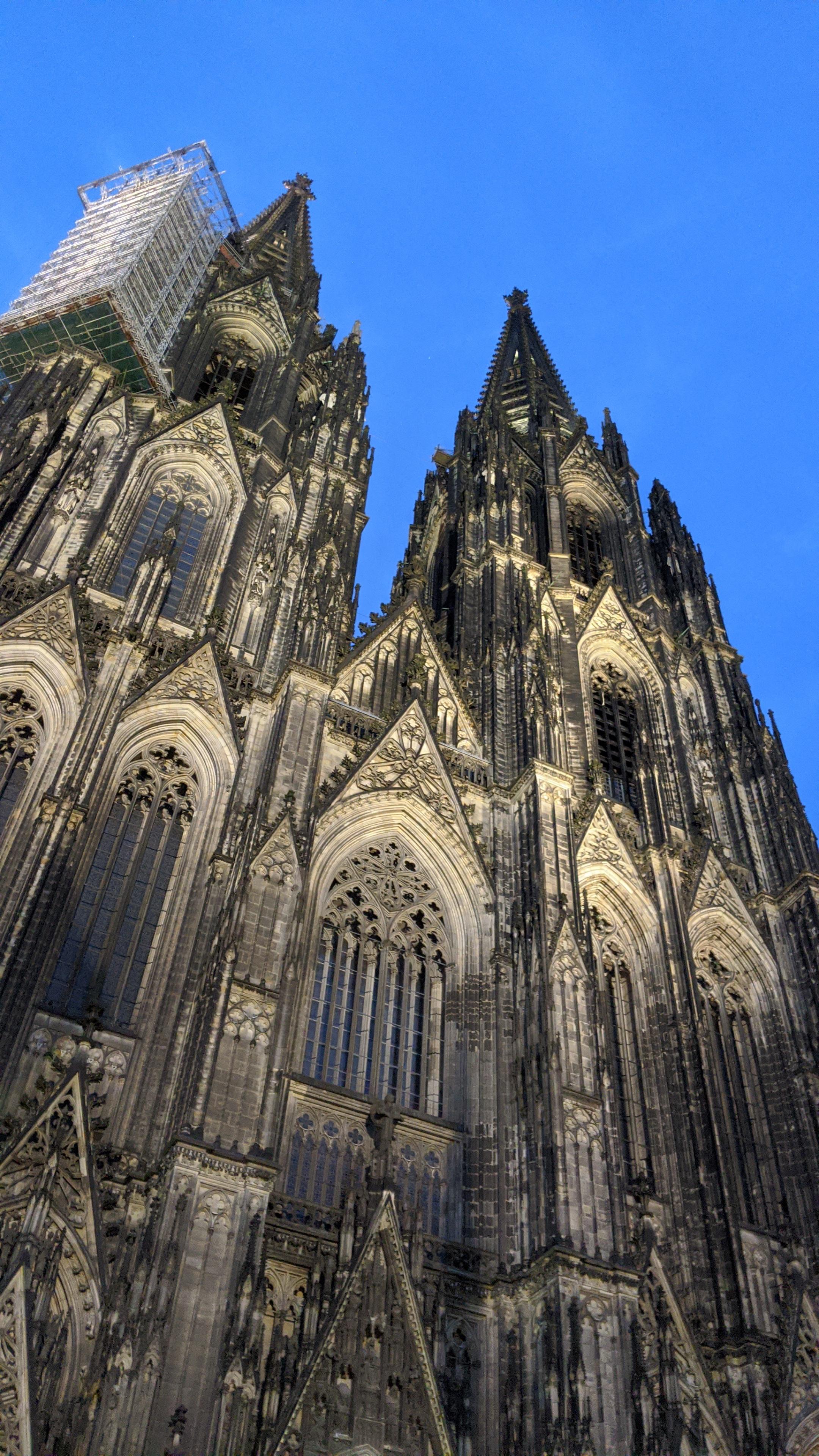 晚上的科隆大教堂